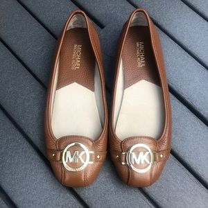 Michael Kors Lillie brown leather flats size 7